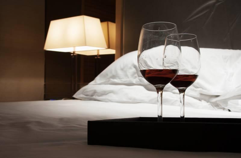 Remove wine stain in mattress.